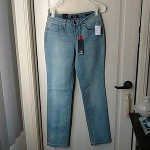 New Earl light wash Straight Leg jeans Size 4